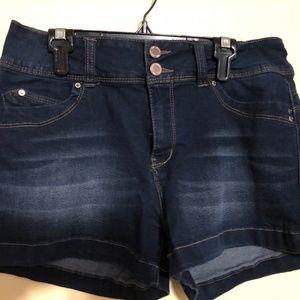 Wanna better butt shorts - size 13 juniors